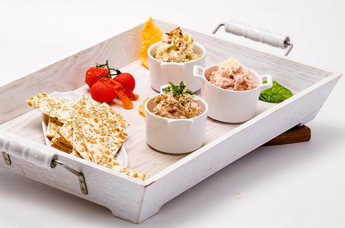 qbilder_2791_274a7109_kryssos_flat_bread_snacks.webheader.jpg